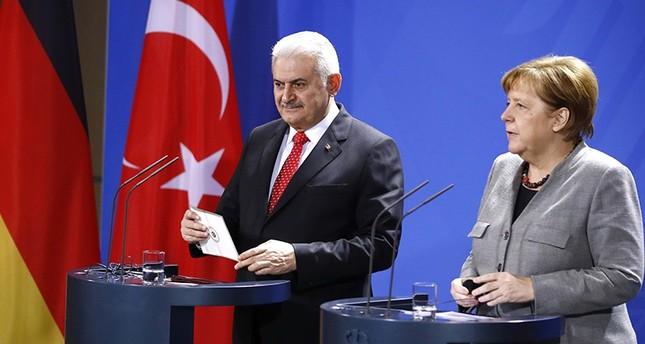 Başbakan , Merkel ile Görüştü