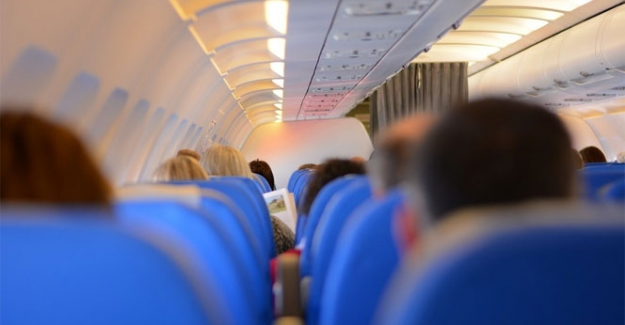 Hava yolları çalışanından örnek davranış