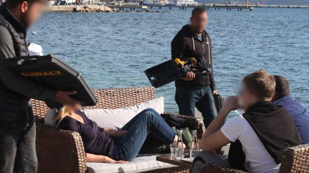 Bodrum Sahilinde Güneşlenen Turistleri Bekleyen Kötü Sürpriz