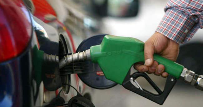 Benzin ve Motorine Gelen Zam Pompada Kaldı