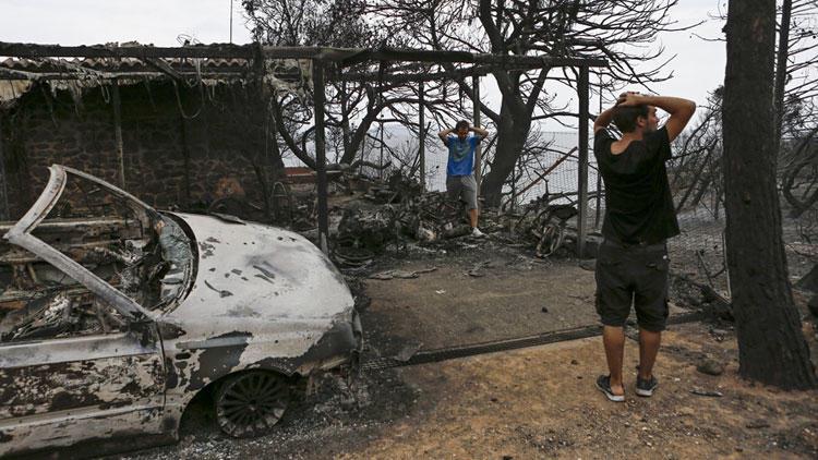 Komşu Ülke Yunanistan Alevler İçerisinde
