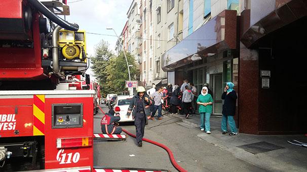 Sultanbeyli'de Hastane İçindeki Yangın Korkuttu
