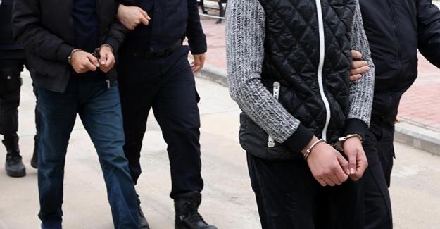 """250 TL ödeyip """"gönüllü jigolo"""" oldu, iş alamayınca """"dolandırıldım"""" deyip polise başvurdu"""