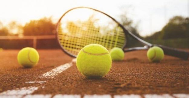 Teniste Ekipmanlar ve Ayakkabı