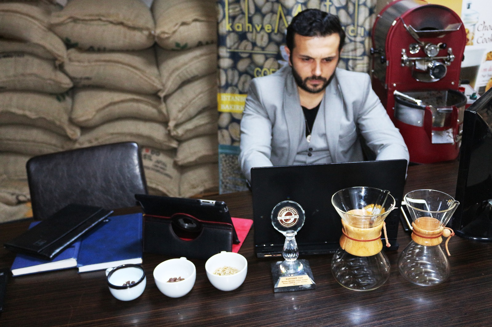 Kahve Uzmanı Yunus Çakmak Kahveciler İçin Başucu Olacak Kahve Kitabını Hazırlıyor