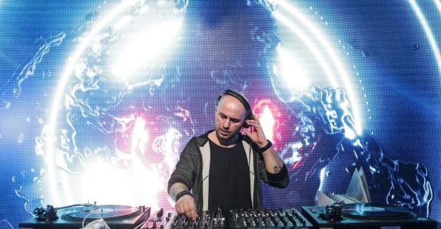 Ugur Project 2021' in en iyi DJ' leri arasında