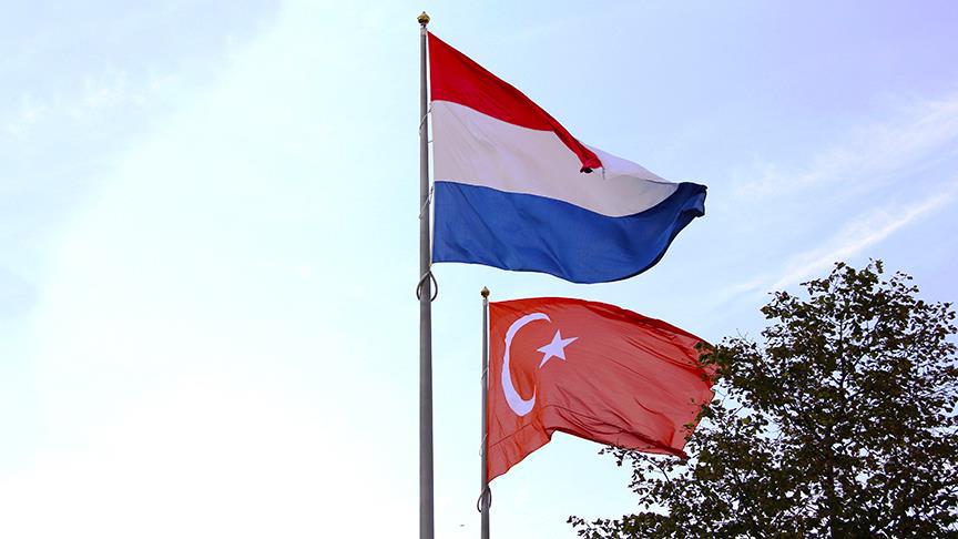 Türkiye'den Kovulan Hollandalı Muhabir Çalıştığı Gazeteden Atıldı