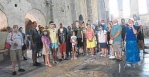 Demre'ye Rus Turist Akını Başladı